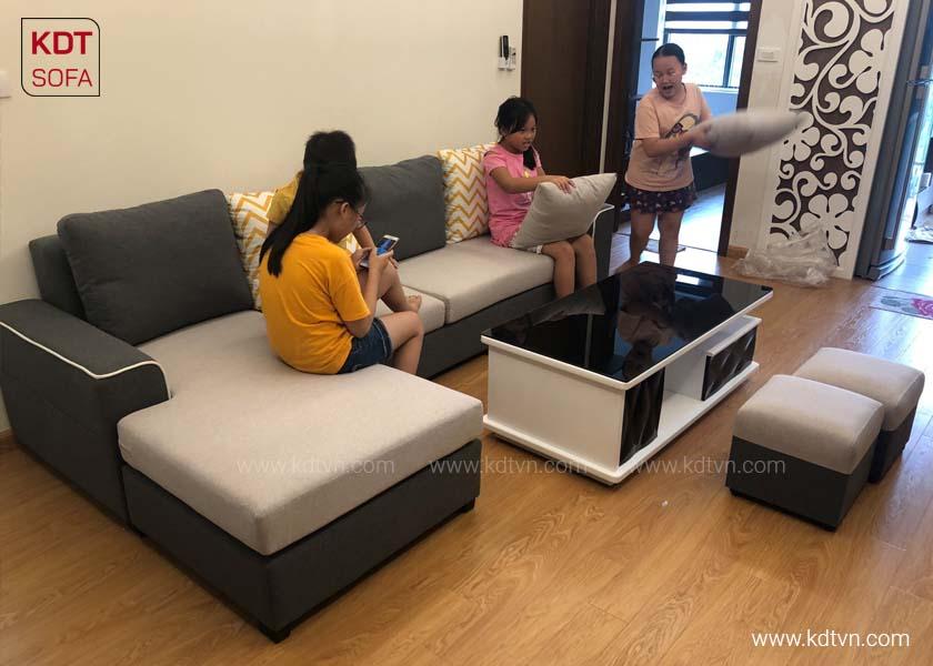 Sofa phòng khách có 4 chỗ ngồi