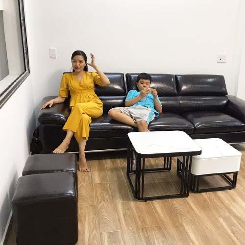 Khách mua sofa